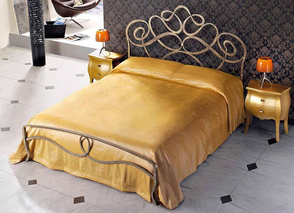 Letto in ferro battuto modello arabo arredamento zona for Testata letto ferro battuto