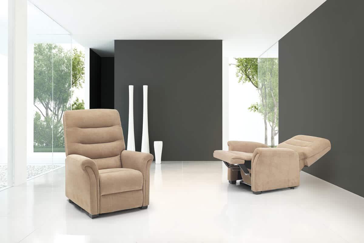 Poltrona relax modello firenze poltrone relax for Poltrone relax in legno