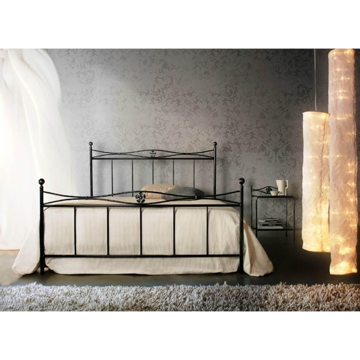 Letto in ferro battuto modello albados arredamento zona notte letti in ferro battuto - Testiere letto ferro battuto ...