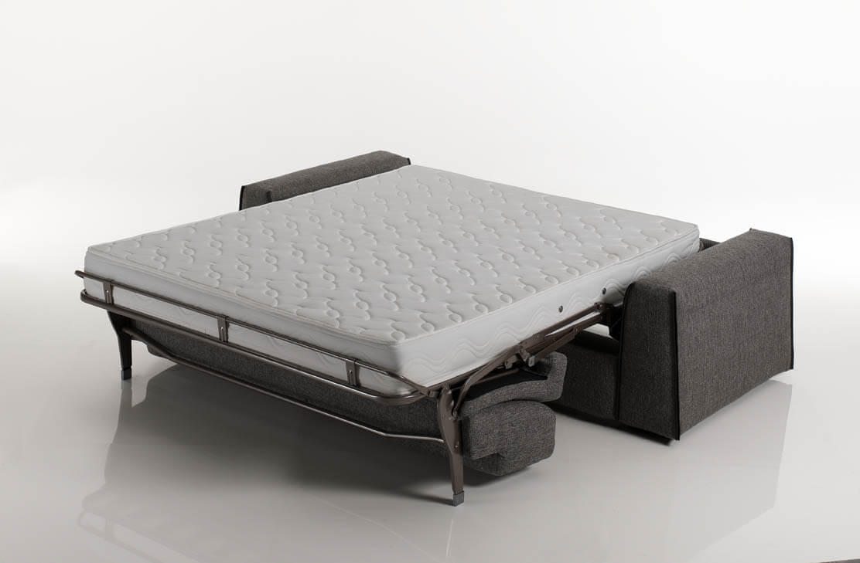Divano letto modello capo arredamento in svendita divani - Divano letto aperto ...