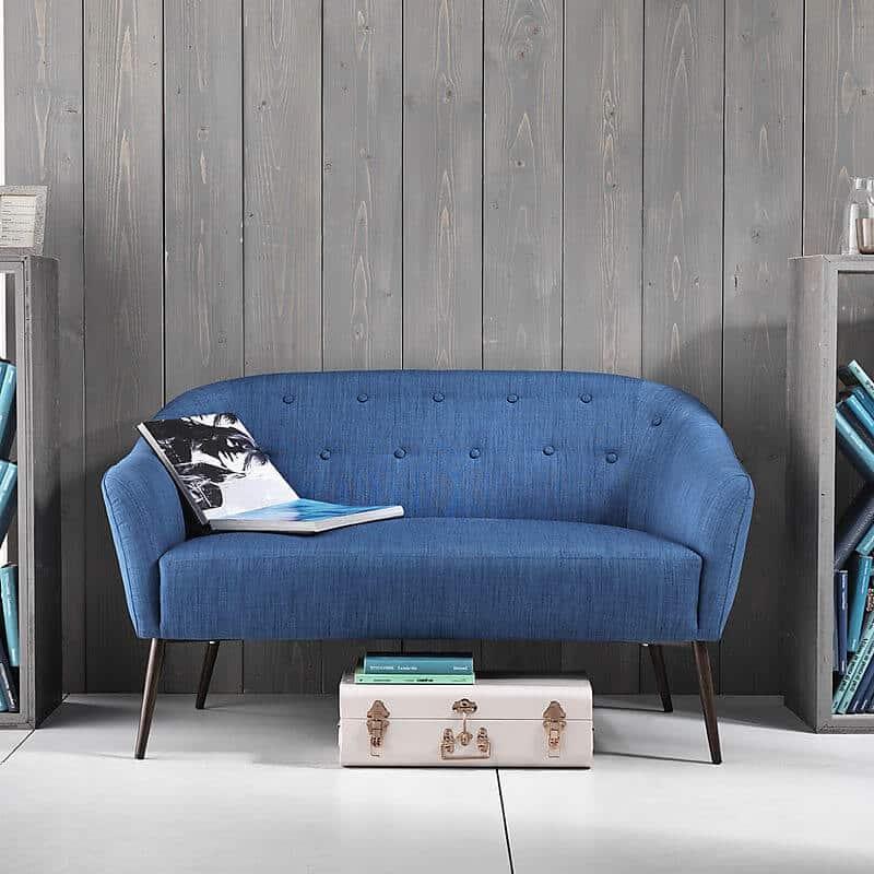 Divano modello muli divani e poltrone divani fissi for Divano blu colore pareti