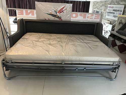 Divano letto modello sfinge arredamento in svendita - Divano letto aperto ...