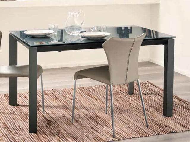 Tavolo allungabile modello sandra arredamento zona giorno for Tavolo allungabile grigio