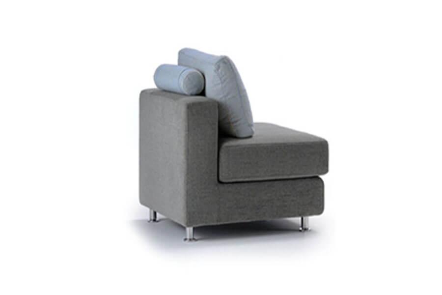 Divano letto tre sedute con panchetta penisola in offerta - Arredamento outlet online divani poltrone pouff shop ...