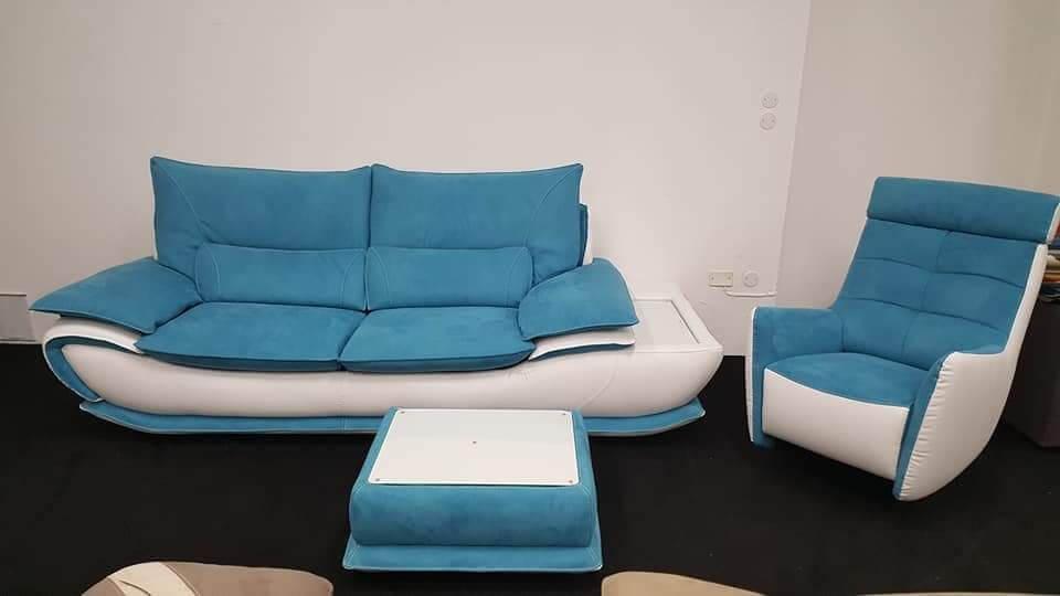 Composizione divano lineare pouf dondolo arredamento for Divano a dondolo
