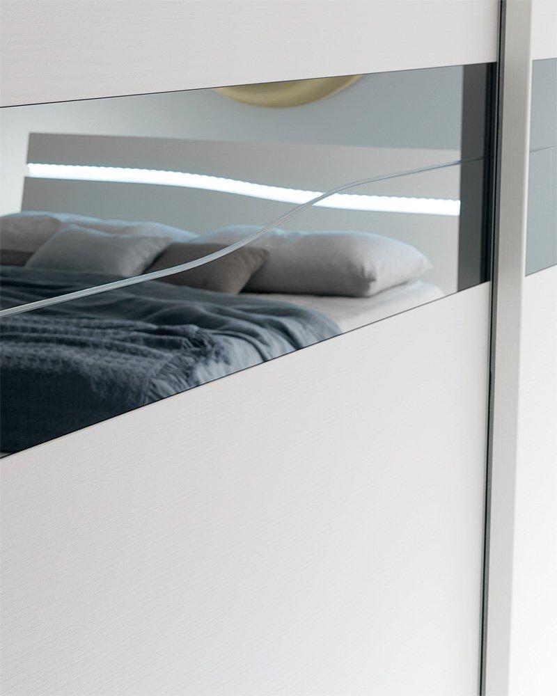 Camera da letto con armadio scorrevole Modello Romantica ...