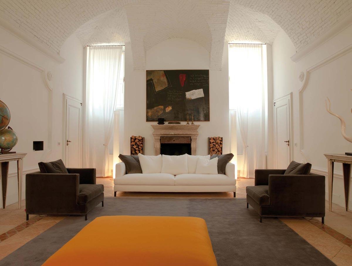 imbottito-poltrone-e-sofa-viale-certosa-moderno-o-classico-personalizzabile-su-misura-componibile-anche-poltrone-lineare-penisola-o-angolare-composizione-divanetto-bianco-ottico-fronte-a-salottino